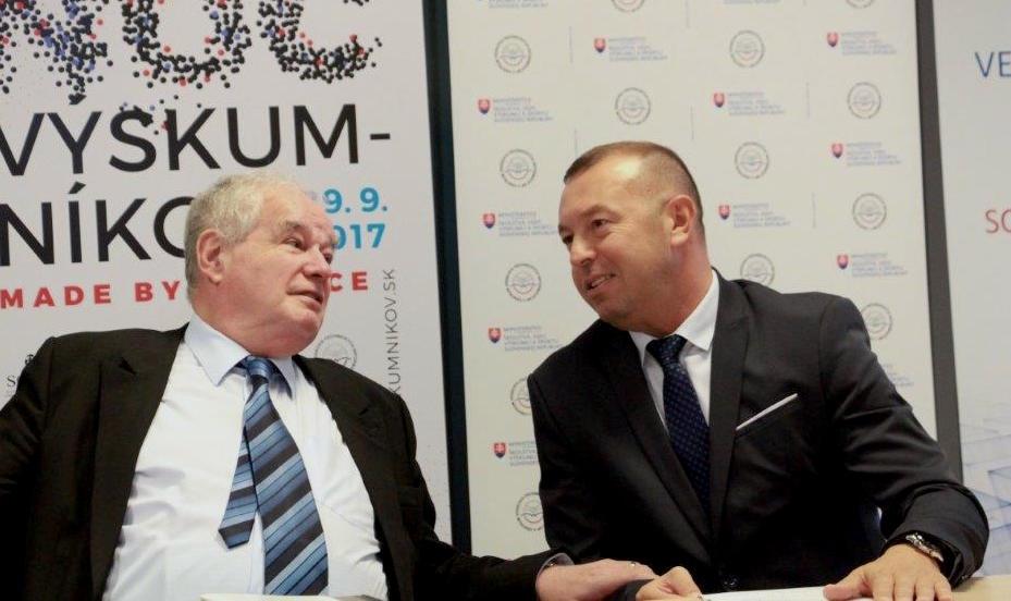 Prorektor doc. Ľudovít Hajduk otvoril cyklus seminárov Osobnosti slovenskej politiky