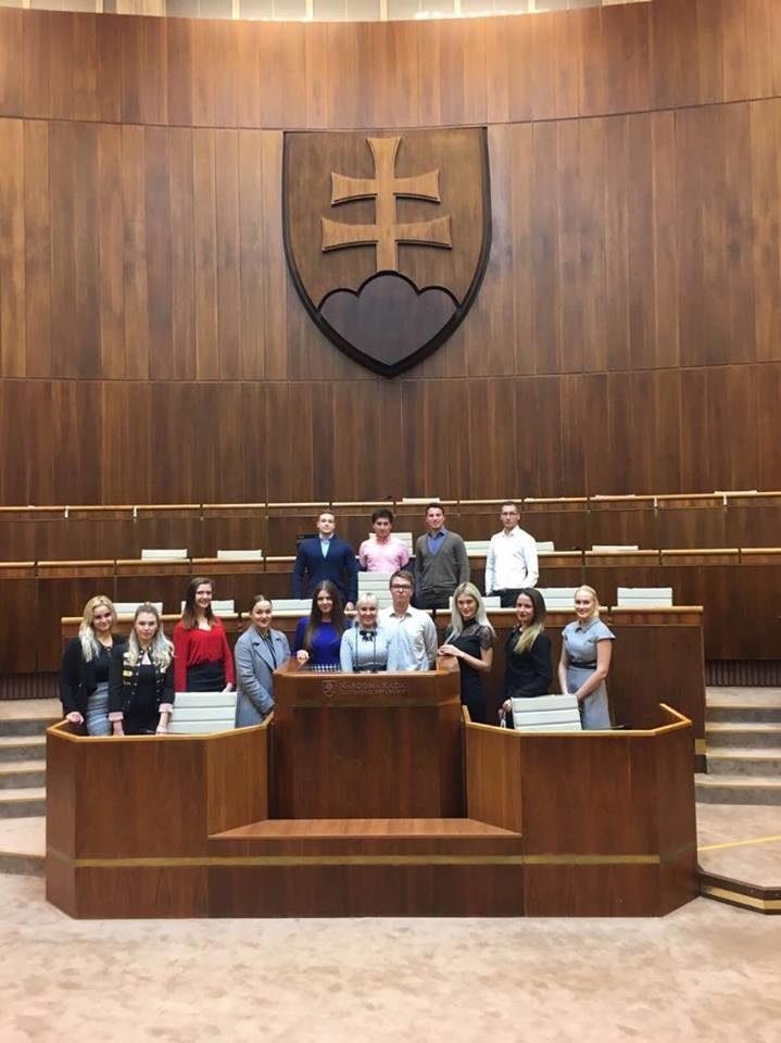 Študenti FP PEVŠ navštívili Národnú radu Slovenskej republiky