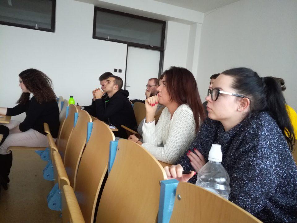 Na prednáške FEP PEVŠ sa zúčastnili zástupcovia IBM.